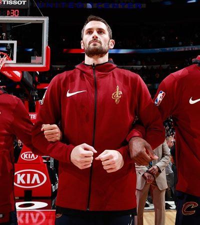 Astro da NBA fala de ataque de pânico em quadra e critica cultura do 'homão da p*rra'