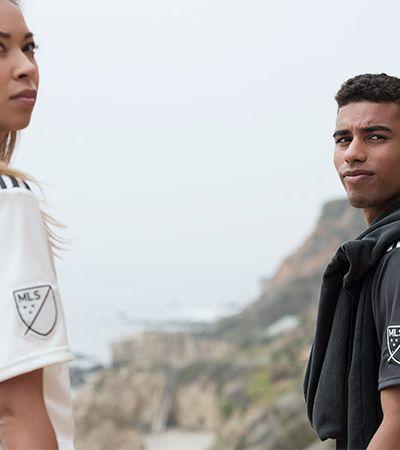 Adidas cria camisas de futebol feitas com plástico retirado de praias e costas