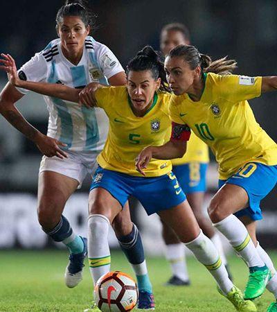 Jogue com uma garota: Jogos da Seleção feminina são transmitidos ao vivo no Twitter