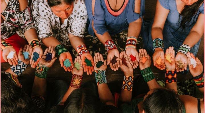 As miçangas e os Rauti das índias Yawanawa