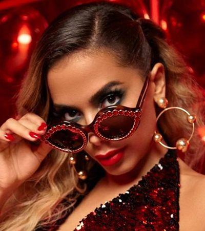 Anitta faz comentário errado e gera polêmica: 'Não convido gente hanseníase'