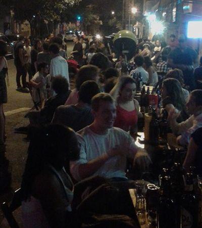 Promoção de litrão atrai multidão e revolta moradores de bairro rico em SP