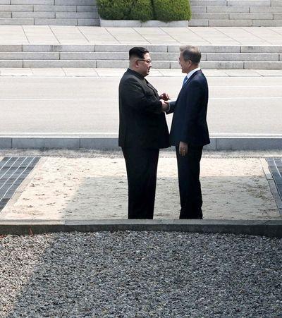 Coreias do Sul e do Norte prometem acordo de paz e fim de armas nucleares