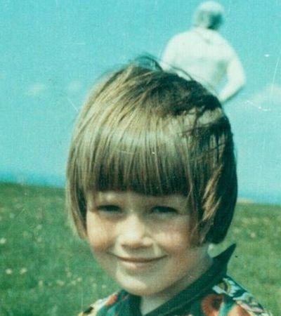 Mistério de astronauta em foto de garotinha britânica já tem mais de 50 anos sem resposta