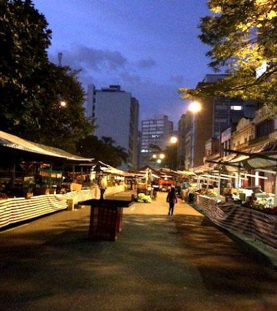 Fomos acompanhar a montagem de uma feira livre de rua na região central de São Paulo