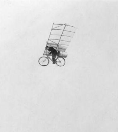 Conheça o sonho da bicicleta voadora inventada nos anos 20
