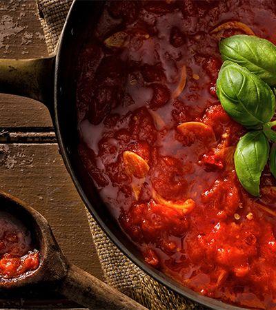Com só 4 ingredientes, esse molho de tomate é considerado um dos mais saborosos do mundo