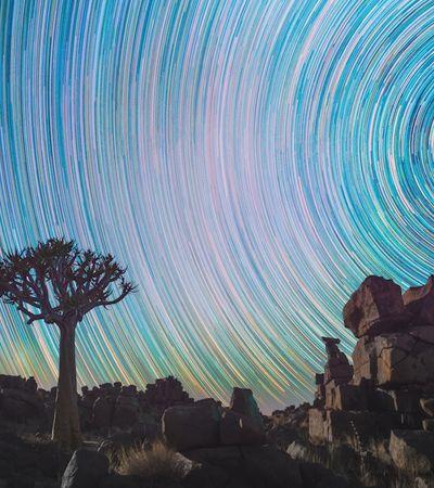 Fotos de longa exposição deixam as marcas dos astros no céu