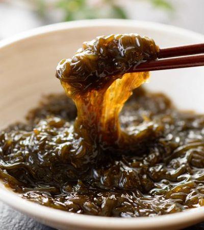 O delicado cultivo das algas mozuku, o segredo da longevidade dos habitantes de Okinawa