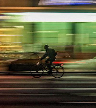 Paulistano que troca carro por bike economiza até R$ 451 por mês, diz estudo