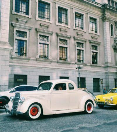 Divertida, Corrida Maluca reúne apaixonados por carros antigos em São Paulo