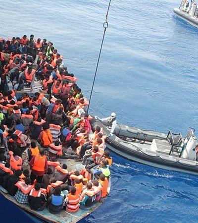 Pilotos franceses lançam missão para resgatar migrantes no Mediterrâneo