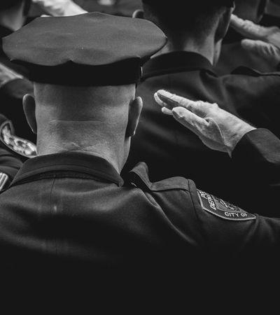 Prefeito de NY diz que polícia não vai mais prender usuários de maconha