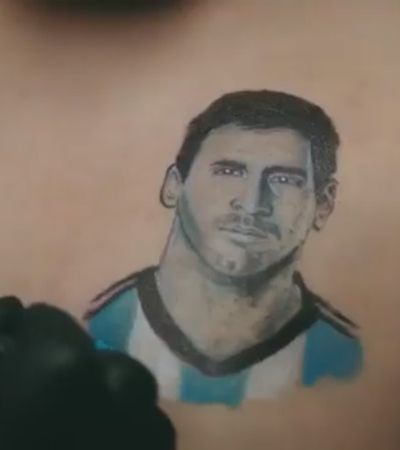 Comercial argentino para a Copa explica a Putin como um homem pode amar outro
