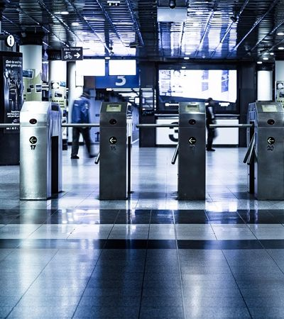 Conheça o primeiro país do mundo a oferecer transporte público gratuito para todos