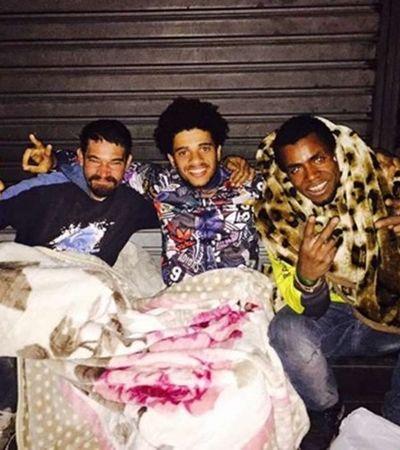 O dia em que o atacante Taison, da Seleção, foi visitar amigos de infância que vivem na rua