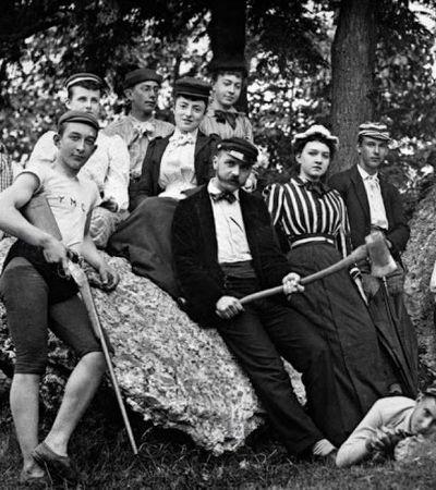 Fotos mostram jovens do século 19 agindo como adolescentes do século 21