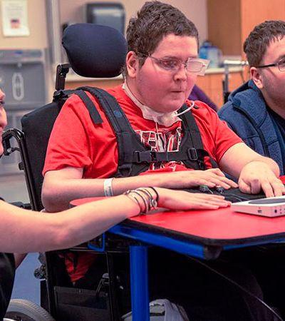 Microsoft cria controle de Xbox para pessoas com mobilidade reduzida