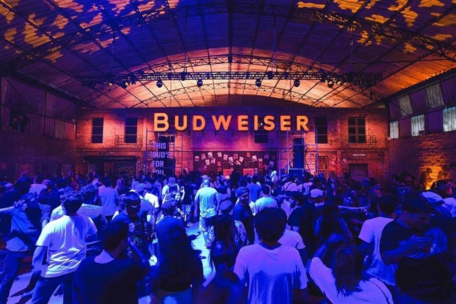 Bud Basement volta a São Paulo com festas e transmissões dos jogos da Copa