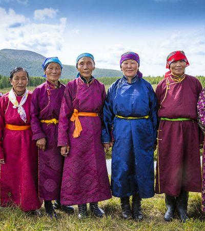 Fotógrafa registra casamento indígena na taiga selvagem da Mongólia