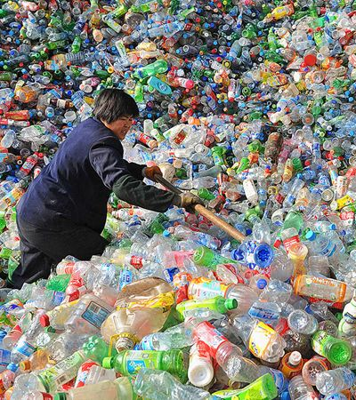 China não sabe onde descartar 111 milhões de toneladas de plástico