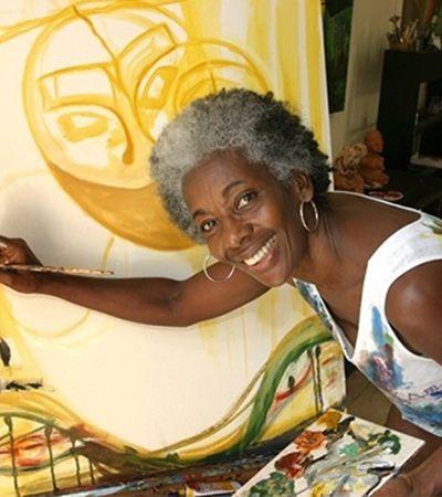Pinturas de Ayéola Moore retratam universo de mulheres negras latinas