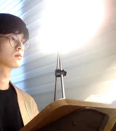 Ele ficou famoso no Youtube filmando a si mesmo estudando por horas a fio