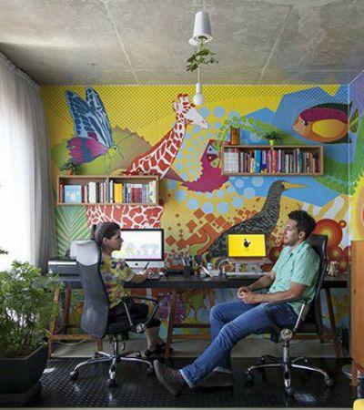 Minha Casa é Hype #19: casal de designers usa talento e muita cor para dar vida a loft em SP