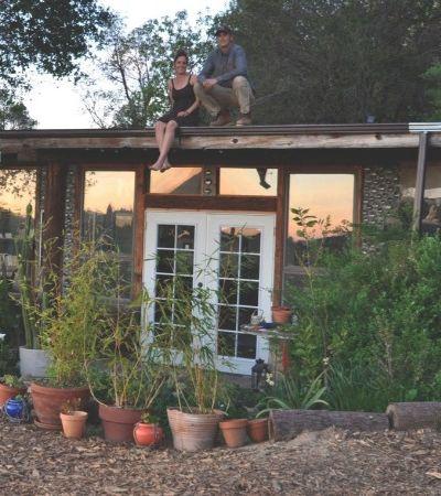 Casal constrói casinha dos sonhos com menos de R$ 40 mil reaproveitando materiais
