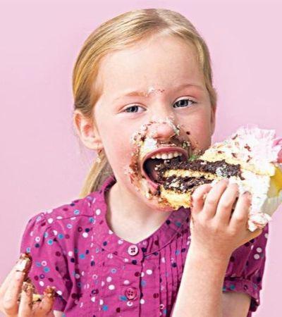 Crianças que comem muito açúcar estão desenvolvendo doenças típicas de alcoólatras