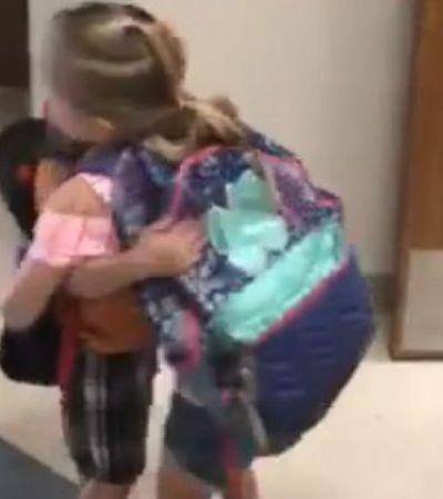 Escola no Texas cria rotina de afeto para prevenir violência