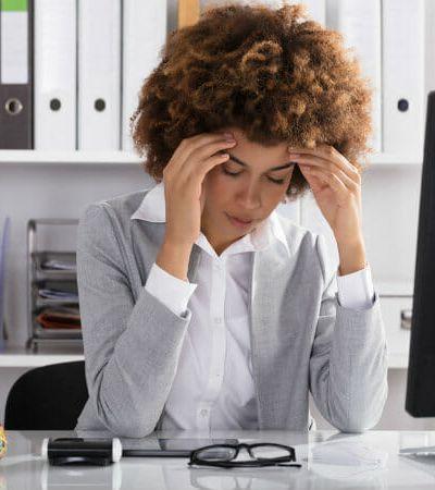 A geração que está ficando doente por causa do excesso de trabalho