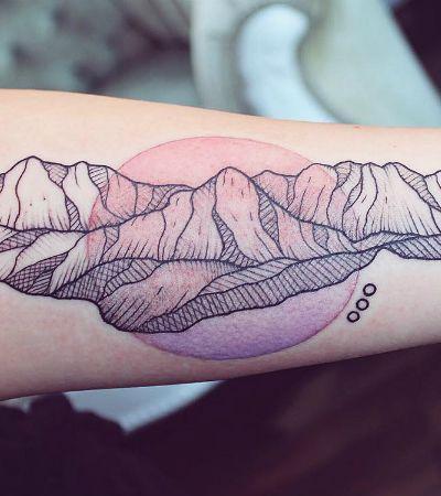 Fauna e flora inspiram tatuadora a misturar cores e criar desenhos únicos