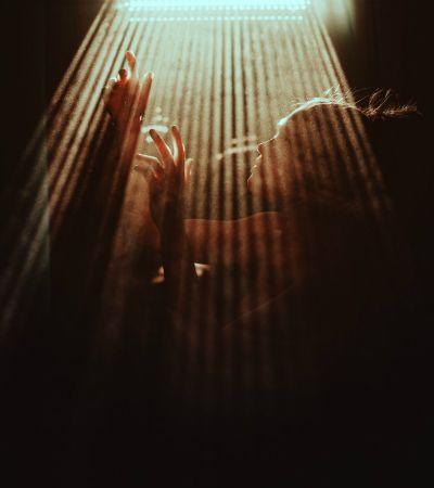 Retratos cinematográficos e impressionantes feitos com luz natural por Alessio Albi