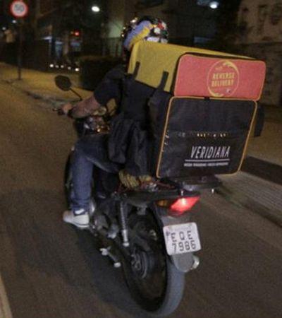 'Delivery Reverso' busca doação de comida na sua casa e entrega para quem precisa