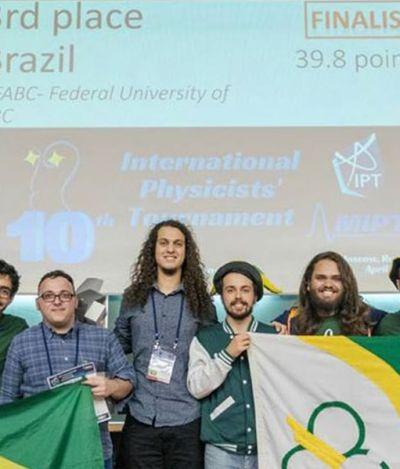 É do Brasil!: Brasileiros garantem bronze na Copa do Mundo… de Física