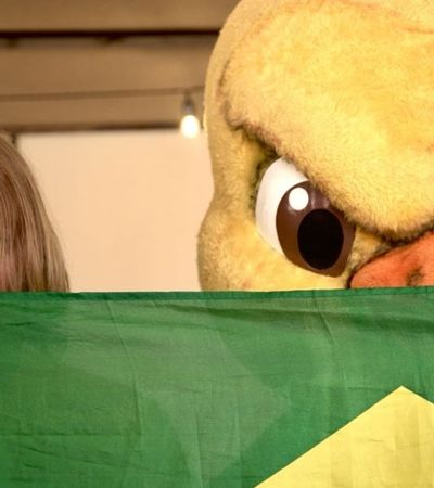 O mascote do hexa Yuri Torski vai ao jogo entre Brasil e Bélgica