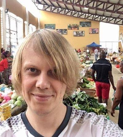 Mascote do hexa: Torcedor misterioso ama o Brasil, mas está sem ingressos