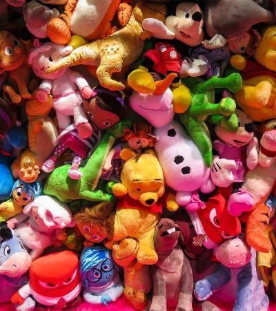 Pessoa misteriosa gasta 1 milhão em brinquedos e doa tudo para crianças das redondezas