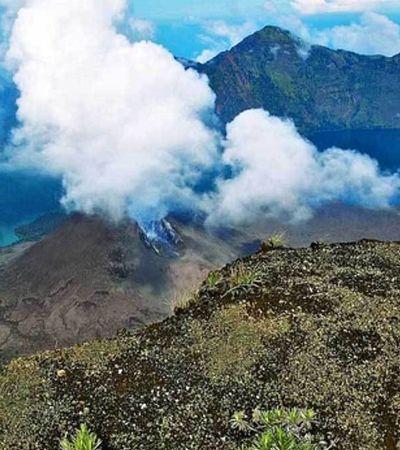 Terremoto provoca erupção de vulcão e deixa centenas presos em montanha na Indonésia
