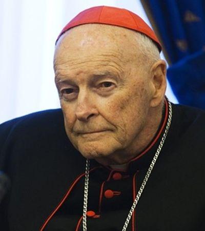300 padres são acusados de mais de 1 mil casos de pedofilia nos EUA