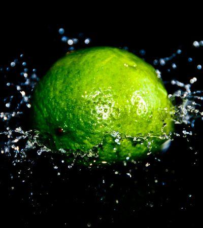 Pesquisadores de MG criam espuma que absorve agrotóxicos dos alimentos e da água