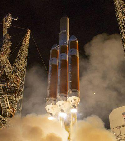 NASA lança sonda que vai tentar entrar na atmosfera do Sol