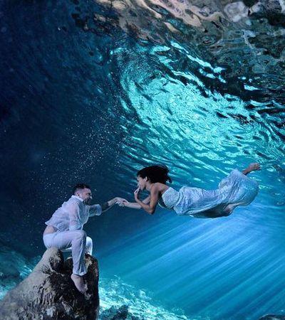 Ele retrata o amor entre casais debaixo d'água e o resultado é de tirar o fôlego