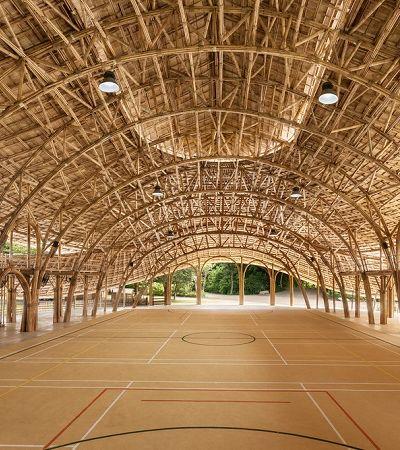 Este centro esportivo na Tailândia é totalmente feito de bambu