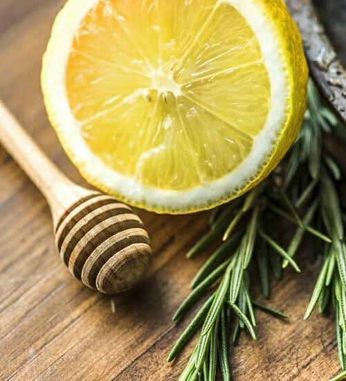 14 receitas naturais para substituir os cosméticos em casa