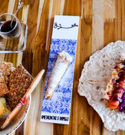 Café com sal, hot-dog aberto e sopa de cerveja: conheça as delícias nórdicas de O Escandinavo