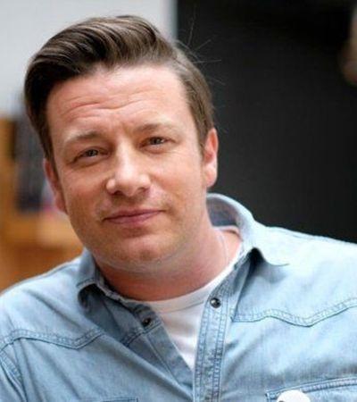 Os jamaicanos estão acusando o chef Jamie Oliver de apropriação cultural