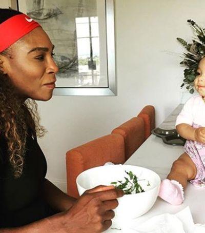 Serena Williams está incentivando mães a falarem sobre perrengues da maternidade