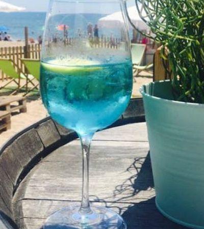 Vinho azul turquesa e totalmente natural pra quem quer sair da mesmice